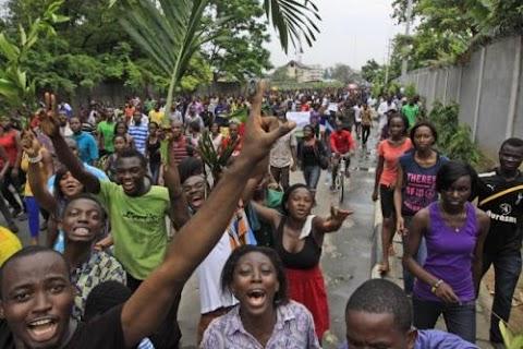 EFCC probe: Pro-Jonathan protest rocks Enugu