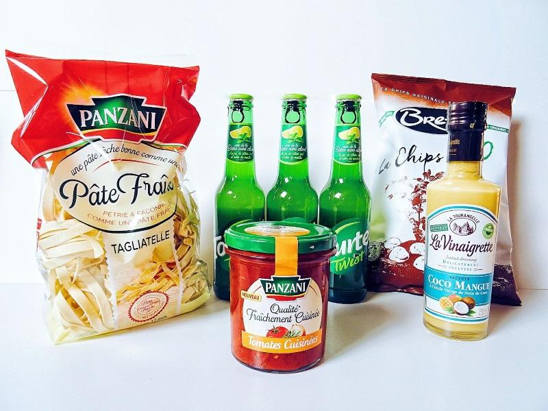 Degustabox du mois de mars contenant des nouveautés alimentaires à petits prix