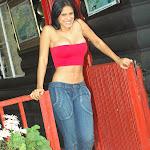 Andrea Rincon, Selena Spice Galeria 21 : Jean Azul y Top Rojo Foto 12