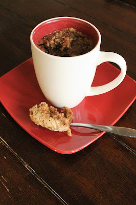 Apple Oatmeal Coffee Mug Cake - perfect for a quick breakfast on the go, or when you want to indulge #AppleWeek