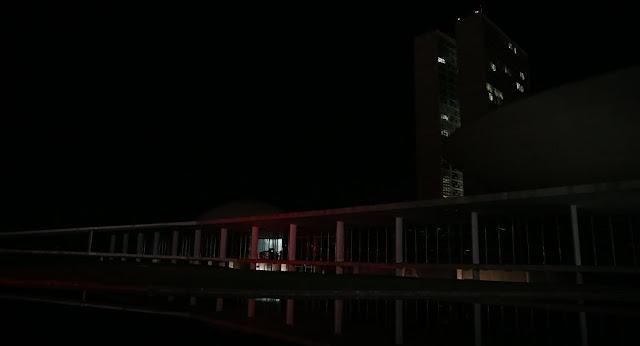 Apagão em Brasília suspende depoimentos na Comissão do Impeachment