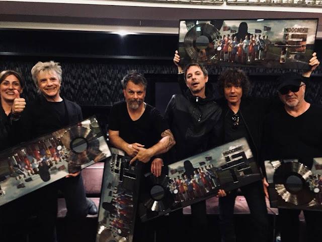 Certificación Triple Disco de Platino para el álbum « 13 »