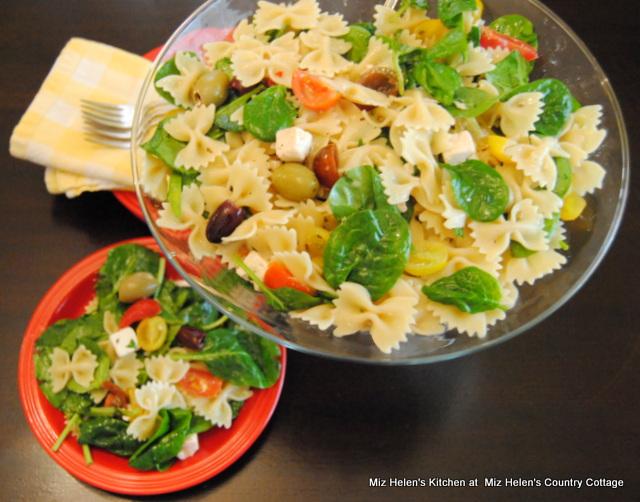 Heirloom Pasta Salad at Miz Helen's Country Cottage