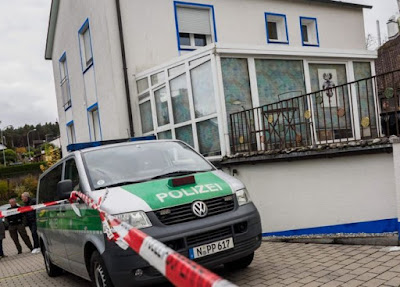 Germany shootings: gunman' shoots and injures police men