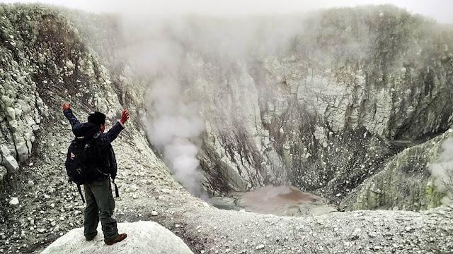 foto kawah gunung sindoro