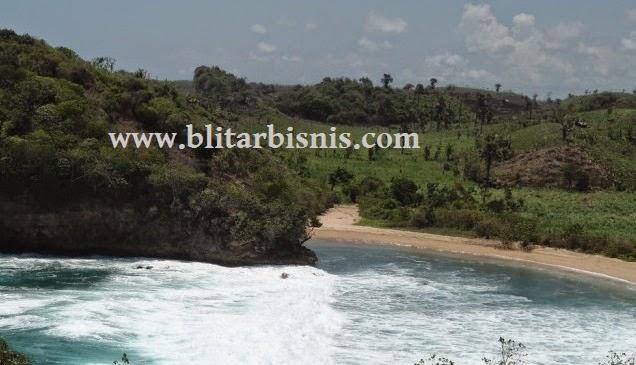 Blitar mempunyai banyak daerah destinasi wisata baik bangunan bersejarah hingga wisata pant Wisata Pantai Pudak Blitar Yang Indah Penuh Perjuangan