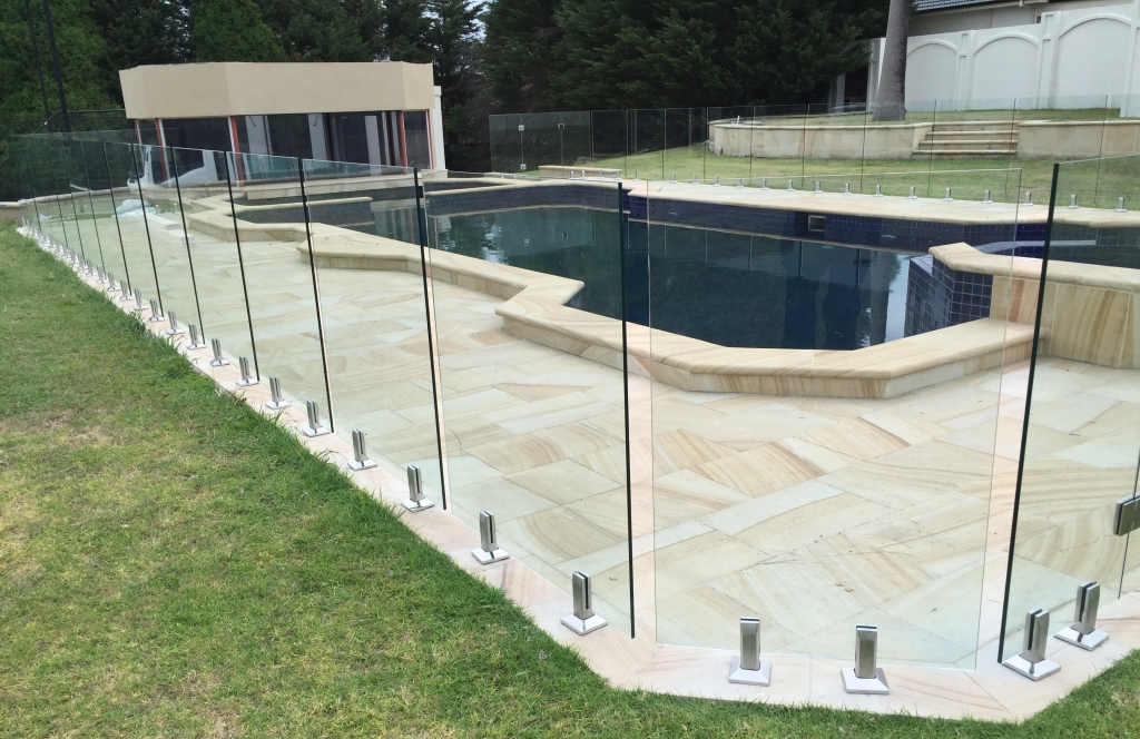How The Pool Fencing In Melbourne Can Go A Long Way For You Glass