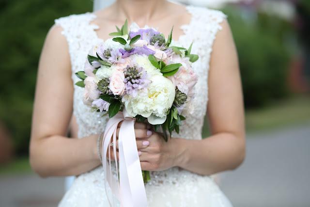 Fioletowe wiązanki ślubne