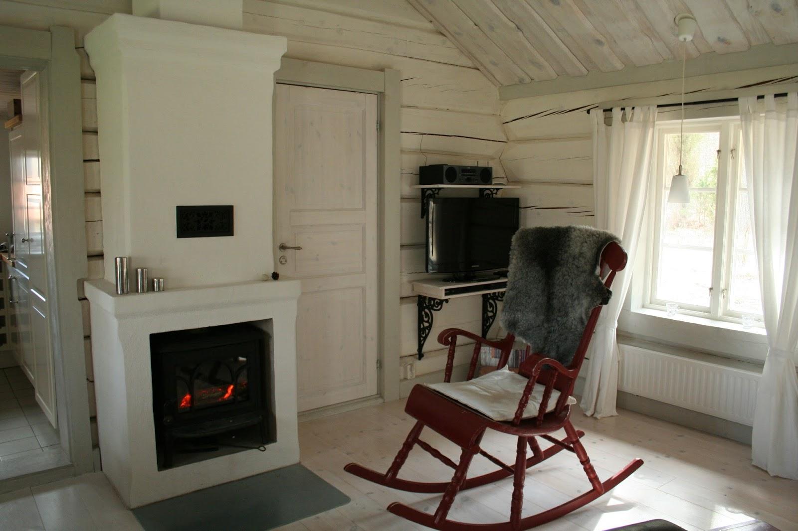 Reetselig: Ein Sommerhaus in Schweden im Frühling