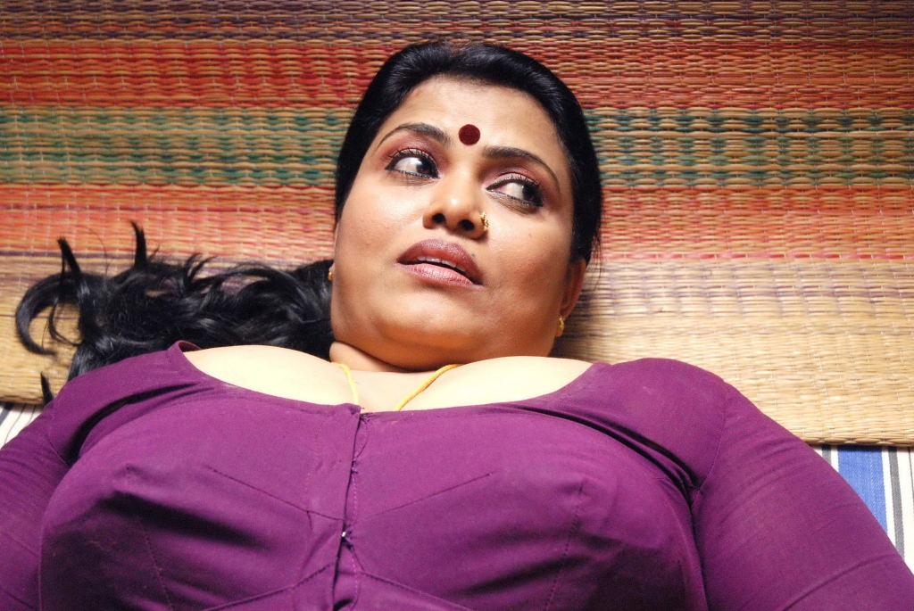 Hot Malayalam Kambi Kadakal Pdf