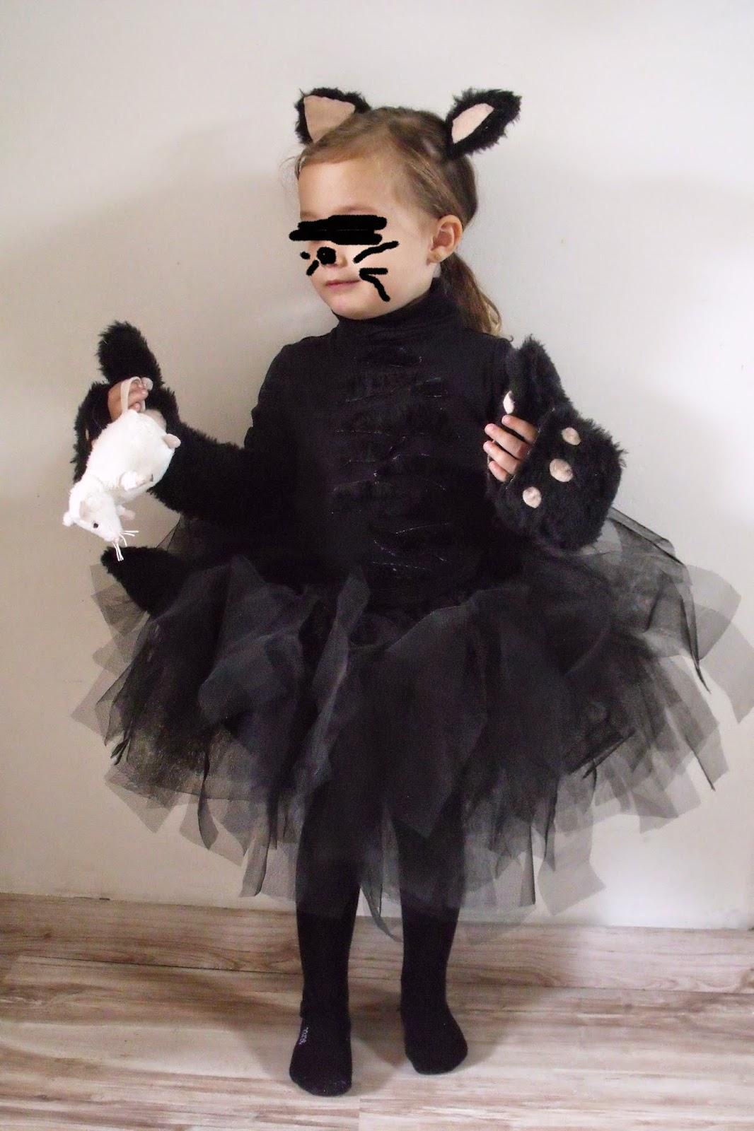 lili joue maman bricole tuto costume chat noir fille pour halloween. Black Bedroom Furniture Sets. Home Design Ideas
