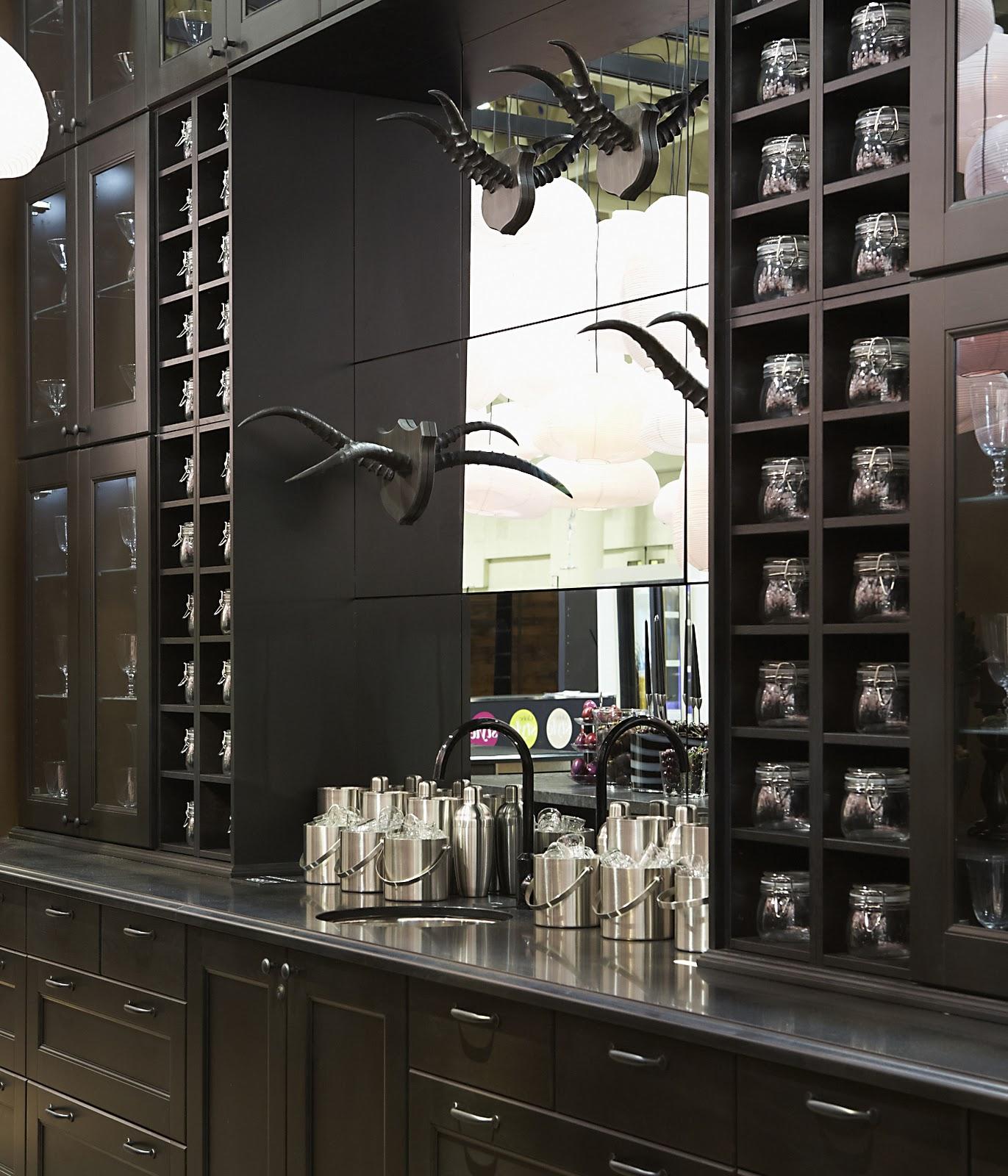 Ikea Kitchen Cabinetry: Holdem Celebrity: Ikea's Glamorous Black Country Kitchen