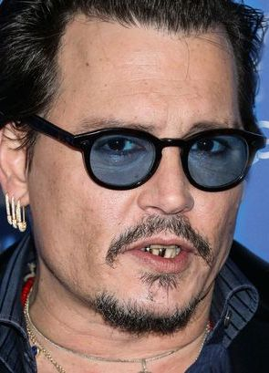 Johnny Depp pictured at the Maltin Modern Master Award tribute over ...