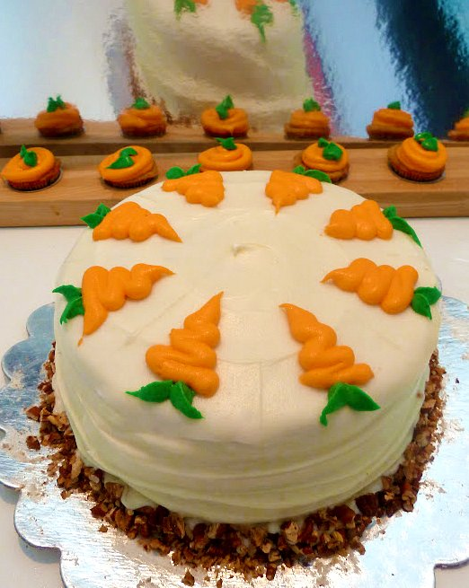 Dawn 39 s divine delights carrot cake and cupcakes - How to make decorative cakes ...