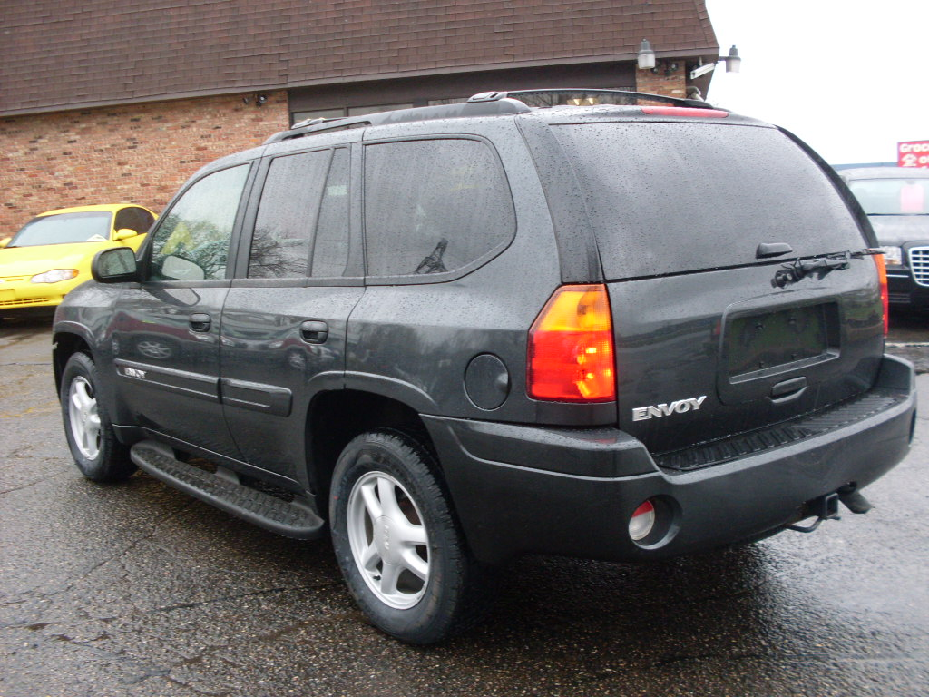 Ride Auto: 2004 Gmc Envoy Charcoal
