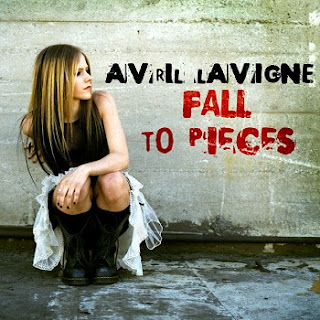 Avril Lavigne-Fall To Pieces
