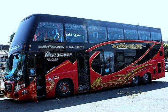 Современный автобус Таиланд