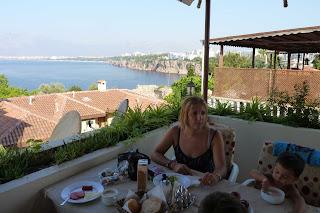 Desayunando en Antalya.