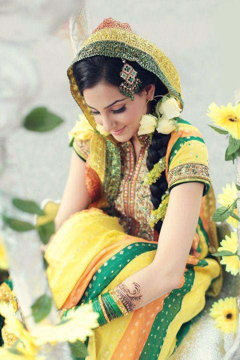 Pakistani Bridal Mahndi Dresses Collection 2013 Photos