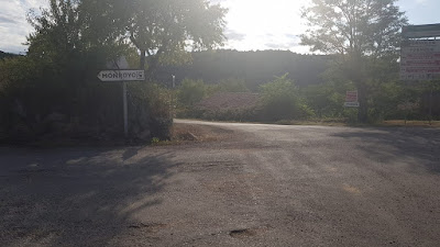 Todos los caminos llevan a Monroyo        Tots los camíns porten a Monroch