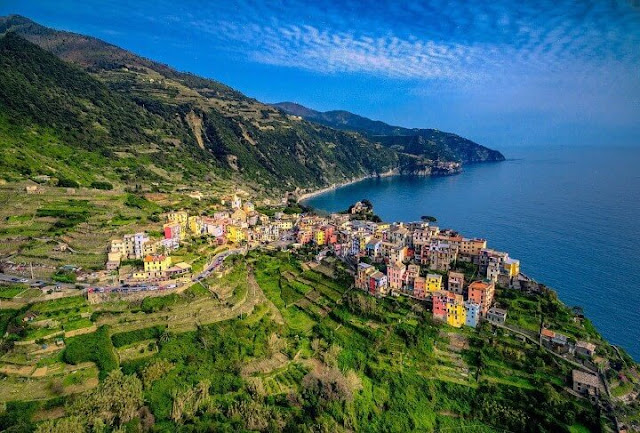 صور جوية رائعة لمنطقة سينك تير في ايطاليا