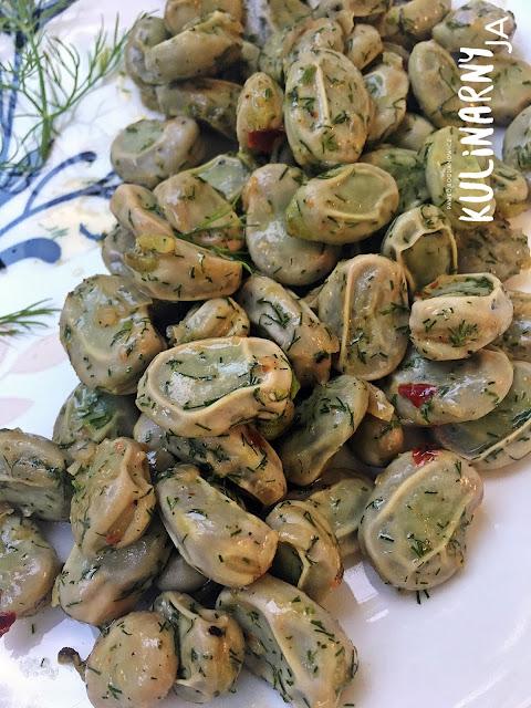Bób na maśle w aromacie chilli, czosnku i koperku