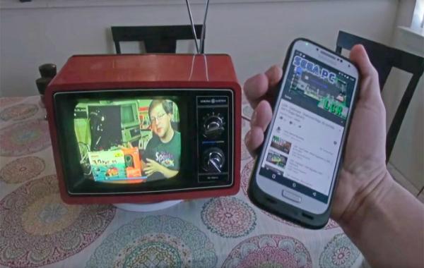 مثير: مبتكر ينجح في تحويل تلفزيون قديم من السبعينات إلى تلفزيون ذكي ! (فيديو)