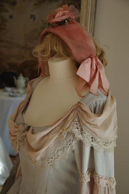 612bfd2931b6 Svatební šaty v barvě lila