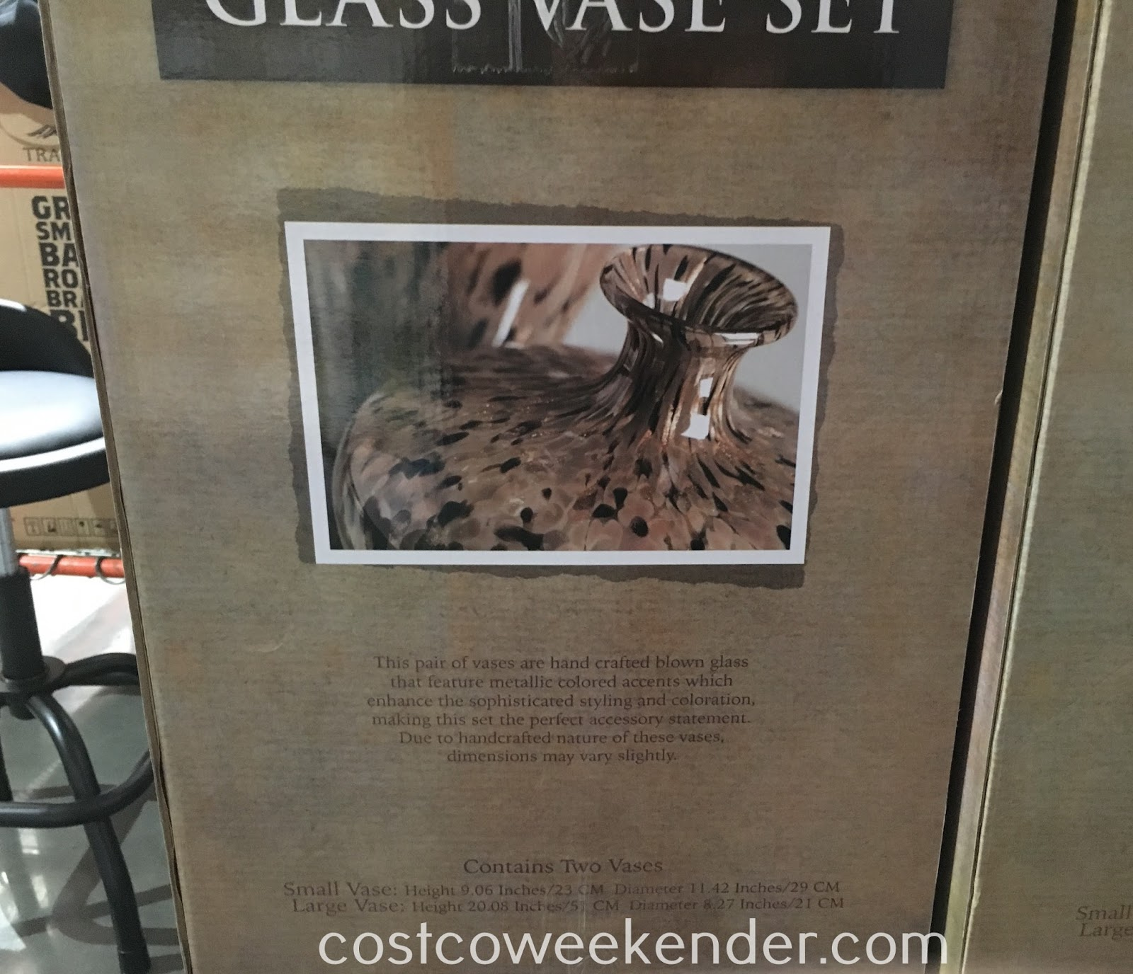 Costco 1039999 - Decorate your home in style with the Imax 2-piece Glass Vase Set