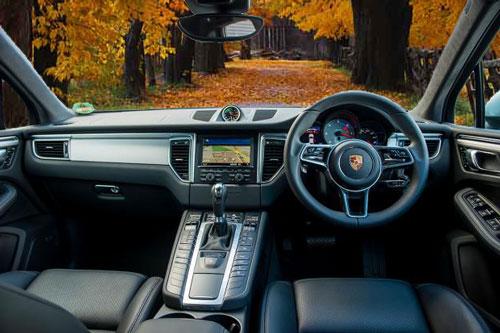 Interior Dasbor Porsche Macan