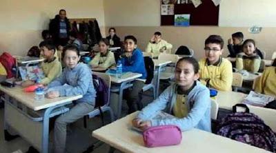ترمم مدرسة وتفتحها في بلدة مريمين بعفرين السورية