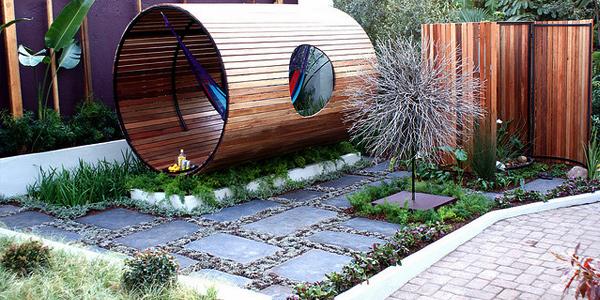 Landscape merupakan ilmu dan seni memodifikasi suatu tempat untuk membuatnya terlihat lebi Tips Merancang Pemandangan Indah di Taman Rumah Minimalis