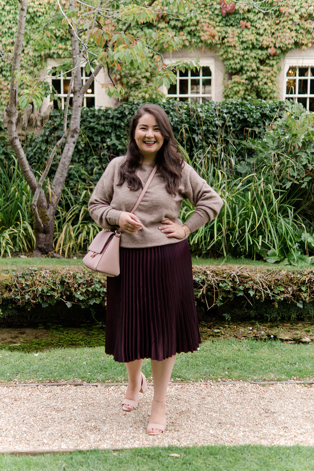 burgundy-pleated-skirt-ootd-fashion-blogger-barely-there-beauty-blog