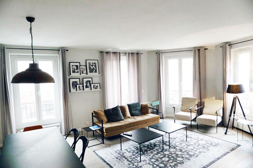 airbnb in paris and i get dressed. Black Bedroom Furniture Sets. Home Design Ideas