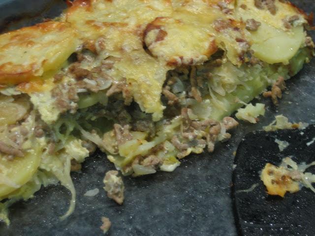 Kartoffel-Sauerkraut-Hackfleisch-Auflauf
