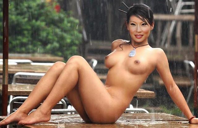 Shanghai topless #11