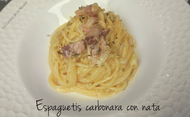 Espaguetis carbonara nata pasta receta italiana
