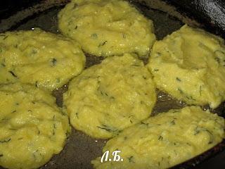 жарим картофельные оладушки