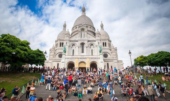 Trócadero e Basílica de Sacre Coeur em Paris