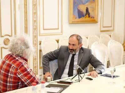 Pashinyan advierte que una guerra con Azerbaiyán es muy probable