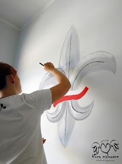 Lilijka harcerska – mural w Szkole Postawowej