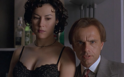Jennifer Tilly and Joe Pantoliano Bound 1996 movieloversreviews.filminspector.com