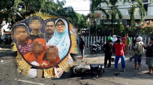 Sekeluarga pelaku bom bunuh diri di Surabaya, Jawa Timur