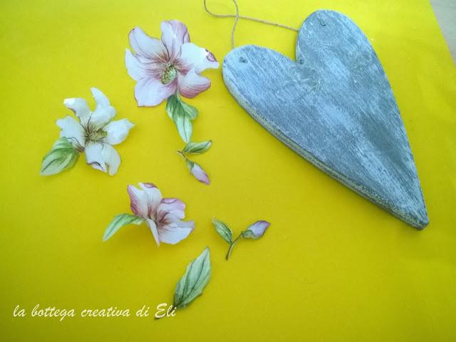 decorazione-cuore-in-legno-sospeso-trasparente