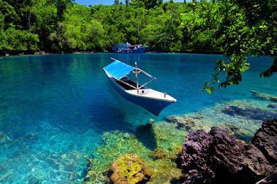✿ Seputar Danau di Indonesia.: ✿ Rahasia Keindahan 'Surga Dua Rasa', Danau Labuan Cermin, Kabupaten Berau, Kalimantan Timur.