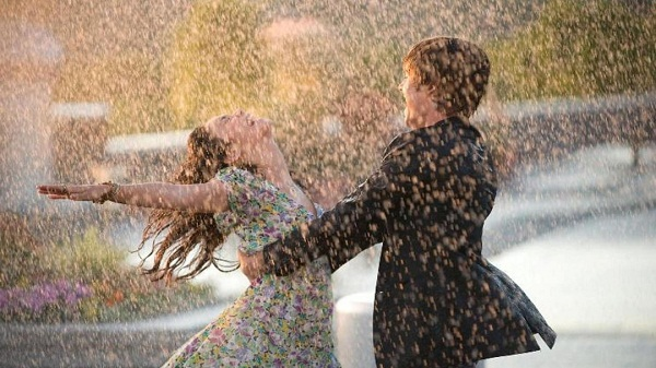 Couple Love Rain Image
