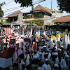 Tolak Pilpres Curang, Ribuan Massa Geruduk Bawaslu Jatim
