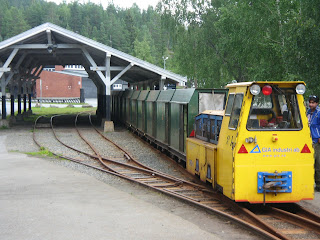 Bjergbanen - de små grønne vogne er til mandskab