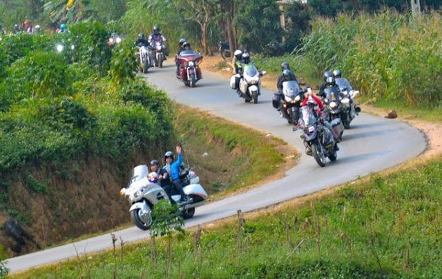 Một số hướng dẫn và kinh nghiệm phượt đoàn môtô