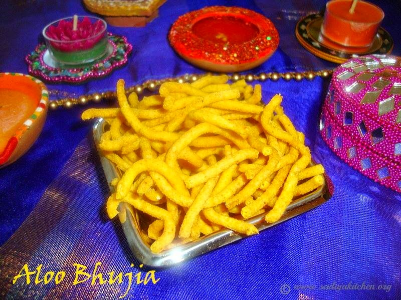 images of Aloo Bhujia Recipe / Aloo Sev Recipe / Potato Sev Recipe / Aloo Bhujia Sev Recipe -  Easy Diwali Snacks